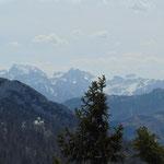 ... sowie das dahinter liegende Tote Gebirge mit Großem Priel und Schermberg