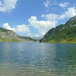 Bei den heißen Temperaturen konnte ich mir einen Sprung in den See nicht verkneifen (Temperatur zwischen 14 und 16°)