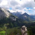 Panoramablick am Gipfel - Hebenkas, Suniwel, Scheiblingstein, Ostrawitz, Spitzmauer, Großer Priel, Kleiner Priel, und viele mehr