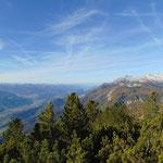 Blick über das Ennstal Richtung Schladming und den Dachstein