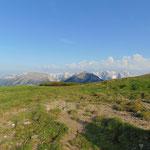 Linkerhand das Tote Gebirge, im Vordergrund Almkogel und Hirscheck