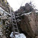 """Überquerung des """"Wandls"""" über die Leiter"""