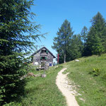 Vorbei an der Bleckwandhütte