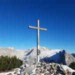 Beim Traweng Gipfel - dahinter Großes und Kleines Tragl, sowie der markante Sturzhahn