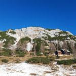 Der Traweng ist inzwischen schon greifbar nahe gerückt, rechts im Bild liegt die Marburger Hütte