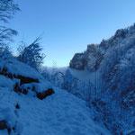 Der Weg ist zwar komplett unter dem Schnee versteckt, jedoch gut zu finden