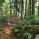 Steinmännchen am Weg zum großen Landsberg