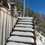 Noch sind die Stufen zur Aussichtsterrasse komplett unberührt
