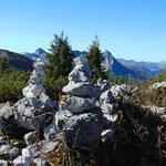 Steinmännchen am Weg zum Hainzen Gipfel
