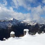 Hier wieder der Blick auf die markante Bleckwand, dahinter einige Gipfel der Osterhorngruppe
