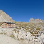 Als nächstes passieren wir die Lavaredo Hütte