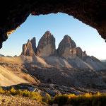 Die Drei Zinnen von den Höhlen aus betrachtet
