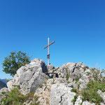 Das Gipfelkreuz vom Maisenkögerl ist erreicht
