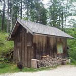 .... und die Holzhütte