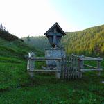 Tag 2: Start bei der Hochmölbinghütte, vorbei am Hüttenkreuz
