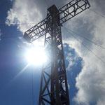 Gipfelkreuz - mit blauem Himmel