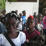 Aliette héberge 12 enfants, en nourrit 40 et permet à 175 enfants à retourner à l'école grâce aux dons versés