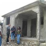 et voici l'orphelinat en construction