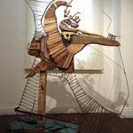 Escultura - Ensamble de madera, cerámica esmaltada y esgrafiada, y elementos reutilizados - 170x150cm - 2012/13 - Nicole Engelhardt