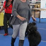 Laufen um das BOB mit Frauchen Renate Blinn.