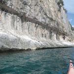 Erosion des vagues de tempêtes sur les falaises de calcaires du golfe d'Orosei