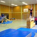Geräteparcours im Sportunterricht