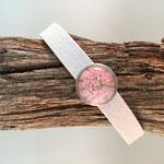 Weißes Armband mit Blütenschieber rosa
