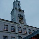 Rathaus mit bekanntem Glockenspiel
