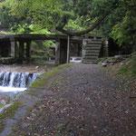 春の走井橋