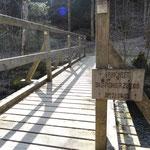 Statt in der Kaserne zu sitzen, errichtete das Bundesheer diese kleine Brücke