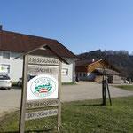 Die Mostschänke Sacher in Winkling liegt direkt am Wanderweg