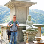 Staande en zittende Buddha