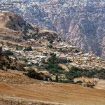 Zicht op het oude dorp Dana
