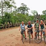Met de fiets doorheen het park van Angkor