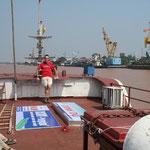 de haven vanHaiphong. Hier vaar je naar Cat Ba nabij Halong Bay