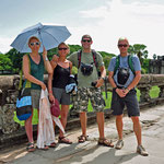 Aan de ingang van Angkor Wat