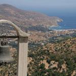 Andros: zicht op baai van Andros vanop Panachrantos