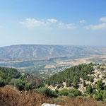 Zicht van op de site op de Golan Hoogvlakte. De Golanhoogvlakte (Syrisch grondgebied) werd in 1967 door Israël bezet