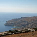 De mooie kustlijn van het eiland Andros