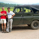 De russische jeeps waarmee de rit naar het noorden maakten