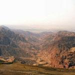 Zicht op Wadi Dana vanuit het dorp