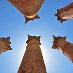 Korintische zuilen in de tempel van Zeus