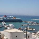 Naxos: haven en aanlegsteiger voor de ferries