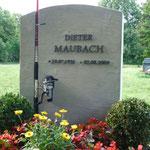 für den Film angefertigtes Grab