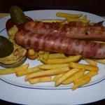Berner-Würstel,Pommes,Ketchup & Senf € 5,10