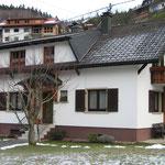 Sanierung Mehrfamilienwohnhaus Simonswald vor dem Umbau