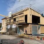 BAUPHASE Wohn -und Firmengebäude Aufstockung auf die best. Container