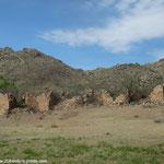 Les ruines perdues dans la colline