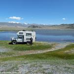 Pause repas en bordure de lac
