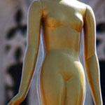 Statue devant le musée salvador dali à figueres